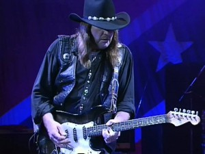 "Lynyrd Skynrd Performs ""Sweet Home Alabama"" Live"