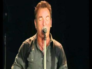 "Bruce Springsteen – ""She's The One"" Live In Hyde Park"