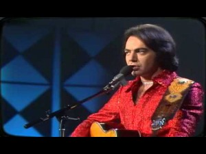 "A Memorable ""Longfellow Serenade"" Live Performance By Neil Diamond"