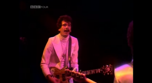 "Santana Shreds ""Dance Sister Dance"" Live In Hammersmith Odeon"