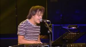 "Jamie Cullum Performs Jimi Hendrix's ""Angel"" Live"