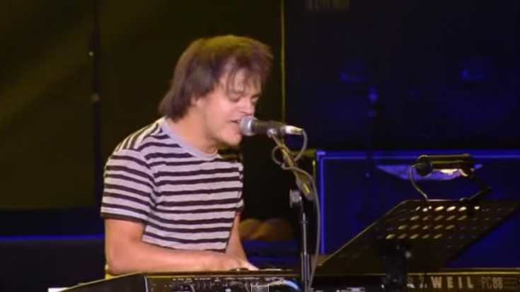 "Jamie Cullum Performs Jimi Hendrix's ""Angel"" Live 
