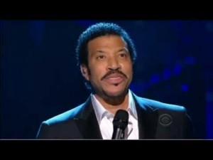"Lionel Richie Pays Tribute To Neil Diamond's ""I Am… I Said"""