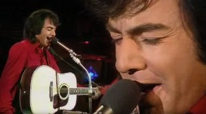 "Neil Diamond Charms With Iconic ""Sweet Caroline,"" Live In 1971"