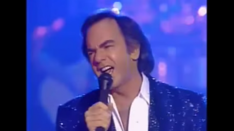 "Neil Diamond's Soulful Vocals In ""September Morn"" Live 