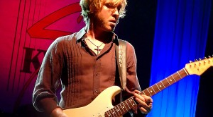 "Watch Kenny Wayne Shepherd Blow Away The Competition With ""Voodoo Child"""