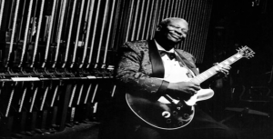 "B.B. King ft. Tracy Chapman – ""The Thrill is Gone"""
