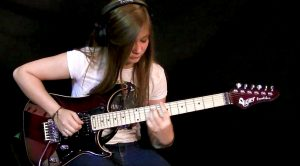 """15-Year-Old Tina Makes David Gilmour Proud With This Absolutely Stellar """"Comfortably Numb"""" Cover"""