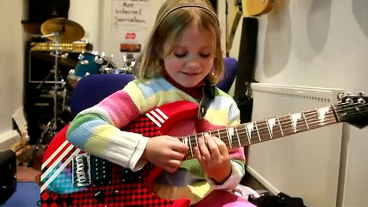 """Adorable 8-Year-Old Girl Absolutely NAILS """"Sweet Child O' Mine"""" 