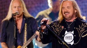 """Lynyrd Skynyrd Recapture Old Magic With Unforgettable """"Tuesday's Gone"""""""