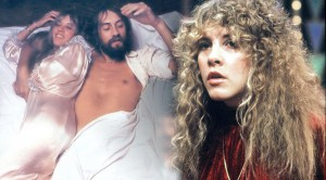 Stevie Nicks serenades the crowd beautifully with 'Sara'
