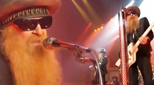 """ZZ Top Covers Jimi Hendrix's """"Foxy Lady"""" With Style No One Can Deny"""