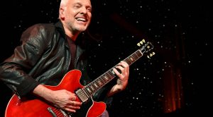"Rock Legend Peter Frampton Brings The Heat For Fiery ""Call Me The Breeze"" Tribute To Lynyrd Skynyrd"