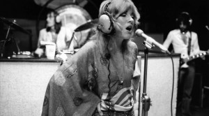 "Caught On Tape: Fleetwood Mac Hit The Studio, And Their ""Gypsy"" Demo Is Unbelievable"