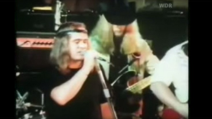 "Rare Footage Of Lynyrd Skynyrd Performing ""Freebird"" Live In 1974"