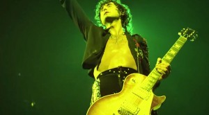 Jimmy Page Performs The Greatest Solo OF HIS CAREER- It's Unbelievable