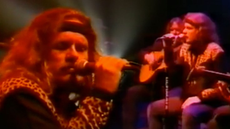 """You'll Be Blown Away By What Johnny Says In This Acoustic """"Devil In The Bottle"""" LIVE Performance   Society Of Rock Videos"""