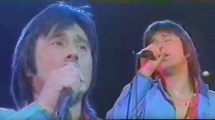 """Steve Perry Is Electric In This Live """"Faithfully"""" Performance, 1983 