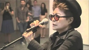Yoko Ono Acting Very Bizarre and People Gather Around- This Will Make You Laugh