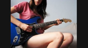 "Julia Nedzelska Crushes ""Hotel California"" Guitar Solo By The Eagles Perfectly"