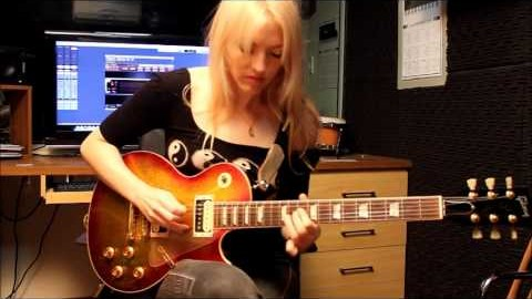 She Plugs In Guitar – What She Does With This Pink Floyd Classic Always Makes Me Smile | Society Of Rock Videos
