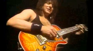 Caught On Camera: Bon Jovi's Richie Sambora Shines On Killer Live Guitar Solo