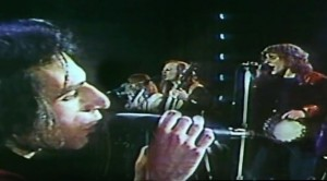 """Steely Dan Shines In This Rare Performance Of """"Reelin' In The Years"""""""