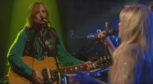 With These Vocals, Stevie Nicks Steals Tom Petty Fans' Attention