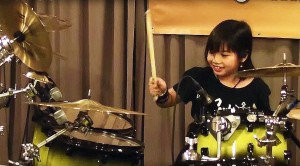 "8-Year-Old Girl Plays Rush, Slays Skins On ""YYZ"""
