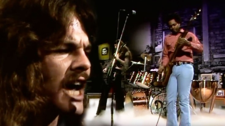 """This Doobie Brothers """"Listen To The Music"""" Performance Defines REAL Rock 