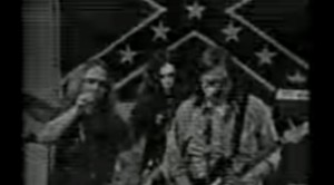 """Lynyrd Skynyrd's Rare Video Clip of """"Don´t Ask Me No Questions"""""""