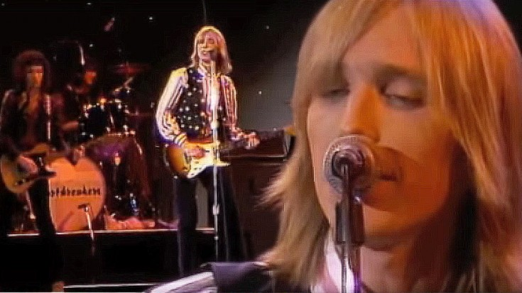 """Tom Petty And The Heartbreakers Play """"I Need To Know,"""" And It's Absolutely Electric 