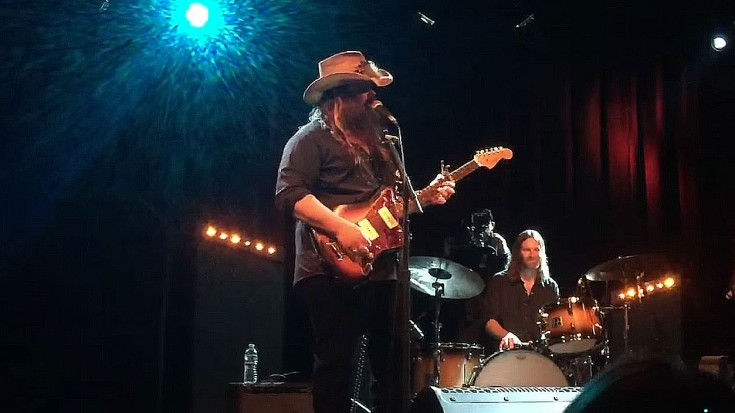 "Southern Rocker Chris Stapleton Wows With Lynyrd Skynyrd's ""Free Bird"" 
