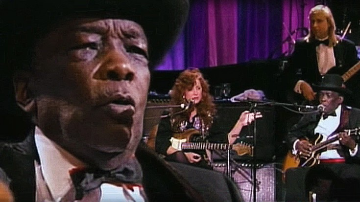 "John Lee Hooker Plays ""I'm In The Mood,"" And Brings Along A VERY Special Guest! 