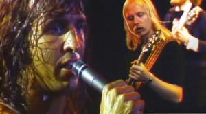 "One Man Band: Kansas Singer Steve Walsh Shines In ""Carry On Wayward Son"" Performance"