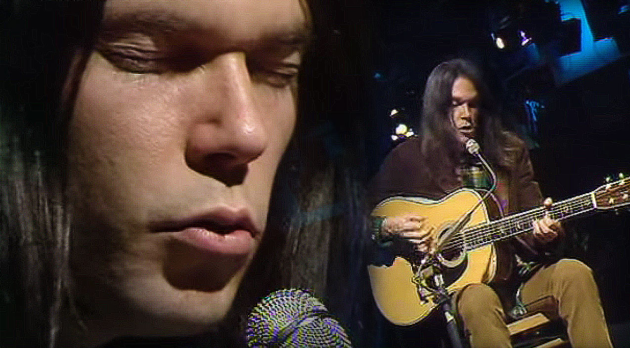 26 year old neil young performs old man and it s absolutely breathtaking society of rock. Black Bedroom Furniture Sets. Home Design Ideas