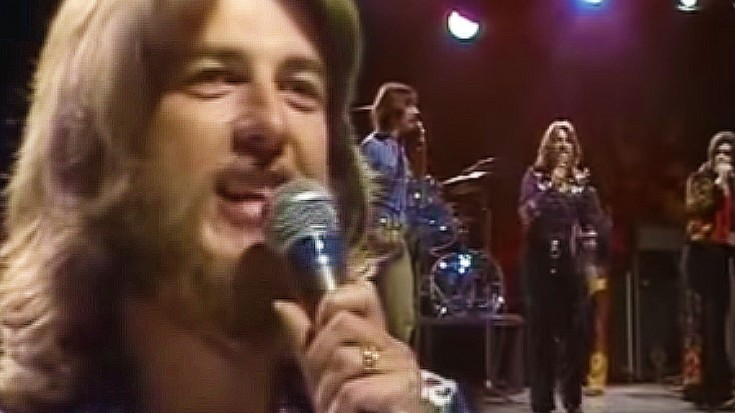 """Three Dog Night Define Blue Eyed Soul In 1970's """"Mama Told Me Not To Come"""" 