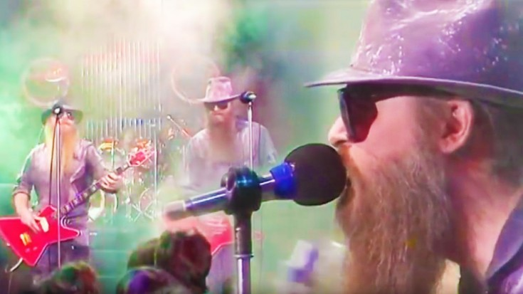 """ZZ Top's '83 """"Gimme All Your Lovin"""" Performance Will Rock Your Holiday Right 