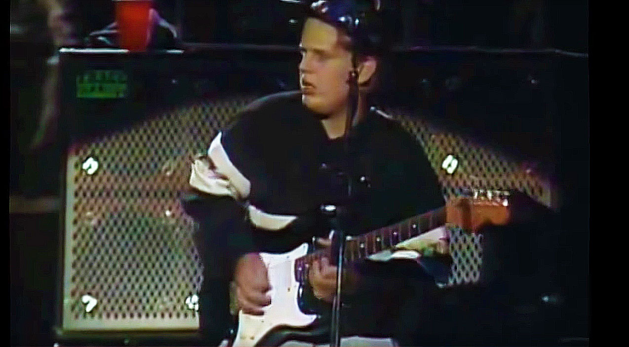 Check Out 16 Year Old Joe Bonamassa Jamming With Robben