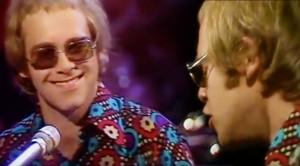 """24-Year-Old Elton John's '71 """"Levon"""" Performance Will Seriously Bring You Back"""