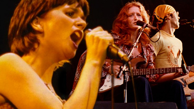 Linda Ronstadt + Bonnie Raitt's 'I'm Blowin' Away' Duet Is Absolutely Incredible | Society Of Rock Videos