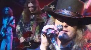 """Soar High With Lynyrd Skynyrd's Unforgettable 1975 """"Freebird"""" Performance"""