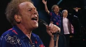"Simon + Garfunkel Say Goodbye With Powerhouse ""Bridge Over Troubled Water"" Performance"