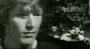 """17-Year-Old Steve Winwood Shines In '66 """"Gimme Some Lovin"""" Performance"""