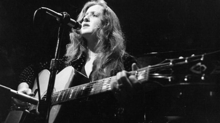 "Hear Bonnie Raitt's Live 1972 Cover Of Blind Faith's ""Can't Find My Way Home"" | Society Of Rock Videos"