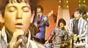 "26-Year-Old Eric Burdon Is Unstoppable In ""When I Was Young"" Performance"