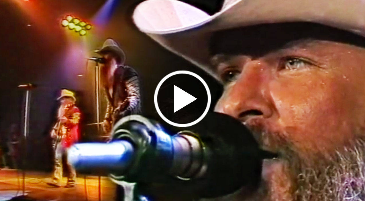 Zz top brings crowd to knees with 82 la grange - How to play la grange on acoustic guitar ...