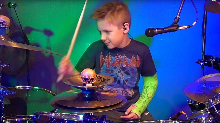kid drummer breaks arm � but what he does with this def