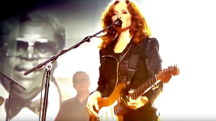 "Bonnie Raitt, Gary Clark Jr. & Chris Stapleton Honor B.B. King With ""Thrill Is Gone"" Tribute 