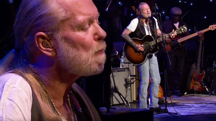 "Gregg Allman's ""Midnight Rider"" Rides Again In Legend's Stunning Hometown Performance 